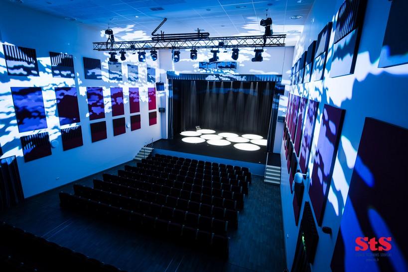 Šakių kultūros centro salė